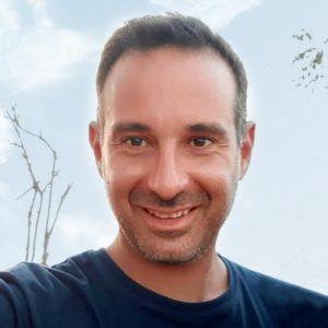 João MachadoEnsina: Empreendedorismo e como criares uma visão e propósito para a tua vida.